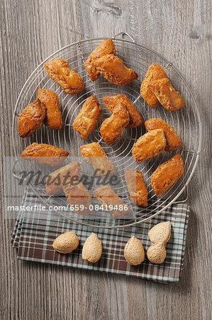 Almond croquets