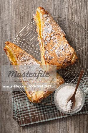 Almond cake with Amaretto cream