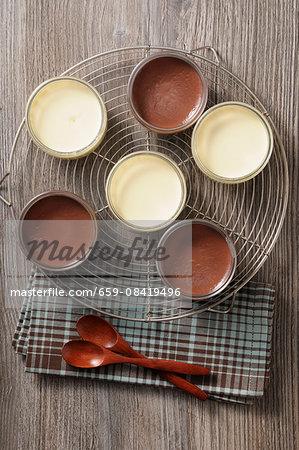 Vanilla cream and chocolate cream