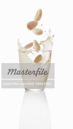 Almond milk (topic : drinking fruits)