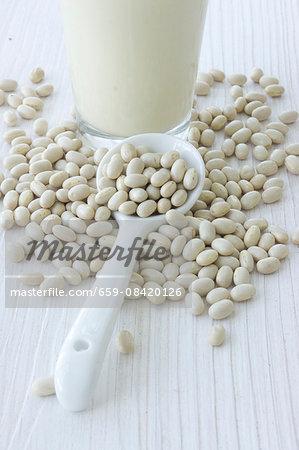 Soya beans and soya milk