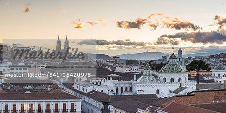 Old City of Quito, UNESCO World Heritage Site, Historic Centre, showing La Basilica Church, Ecuador, South America