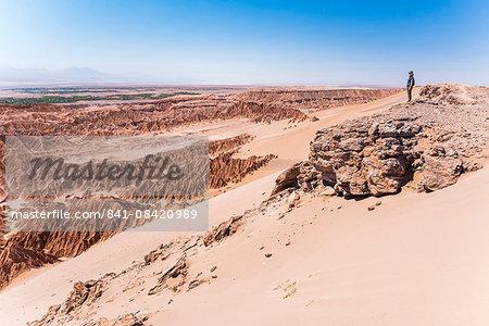 Woman in Death Valley (Valle de la Muerte), San Pedro de Atacama, Atacama Desert, North Chile, Chile, South America