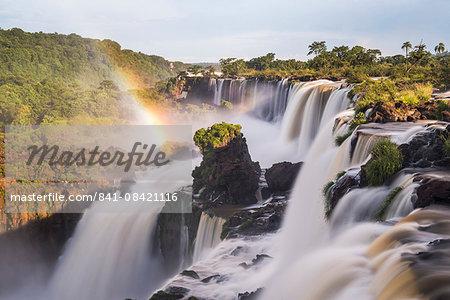 Iguazu Falls (Iguassu Falls) (Cataratas del Iguazu), UNESCO World Heritage Site, Misiones Province, Argentina, South America