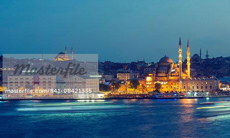 Skyline and Suleymaniye Mosque, Bosphorus, Istanbul, Turkey, Europe