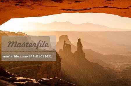 Mesa Arch, Canyonlands National Park, Utah, United States of America, North America