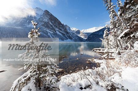 Lake Louise, Banff National Park, UNESCO World Heritage  Site, Rocky Mountains, Alberta, Canada, North America