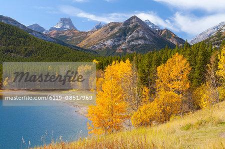 Wedge Pond in autumn, Peter Lougheed Provincial Park, Alberta, Canada, North America