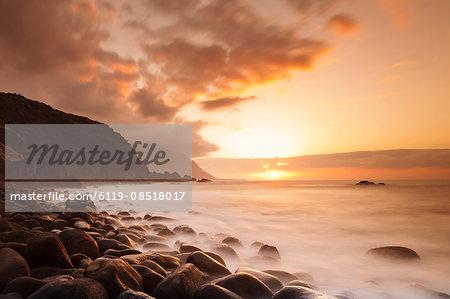 Coast near Los Llanillos at sunset, El Golfo Valley, UNESCO biosphere reserve, El Hierro, Canary Islands, Spain, Atlantic, Europe