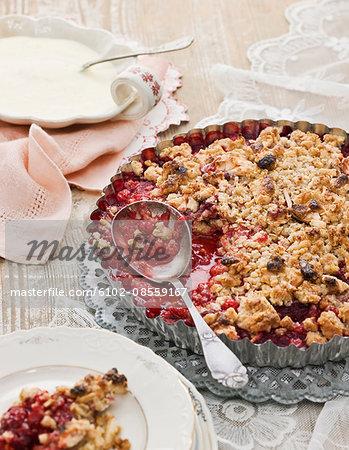 Berry pie with custard