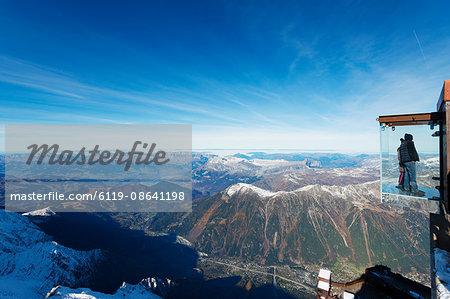 Into the Void viewing platform on Aiguille du Midi, Chamonix, Rhone Alpes, Haute Savoie, French Alps, France, Europe
