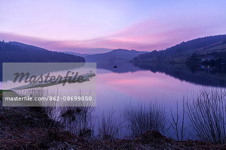 Europe, United Kingdom, England, Derbyshire, Ladybower Reservoir
