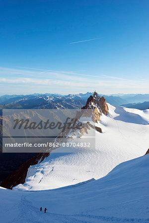 Europe, France, Haute Savoie, Rhone Alps, Chamonix, climbers on Mont Blanc, Aiguille du Midi