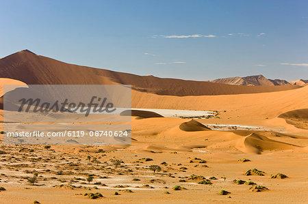 Sand dunes, Sossusvlei, Namib Naukluft Park, Namib Desert, Namibia, Africa