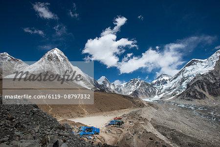 The last village on the Everest Base Camp trek lying at 5100m, Khumbu Region, Nepal, Himalayas, Asia