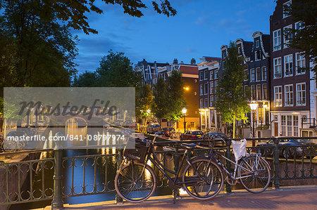 Leidsegracht canal at dusk, Amsterdam, Netherlands, Europe