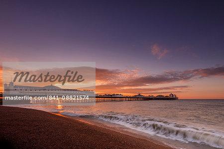 Brighton Pier and beach at sunrise, Brighton, East Sussex, Sussex, England, United Kingdom, Europe