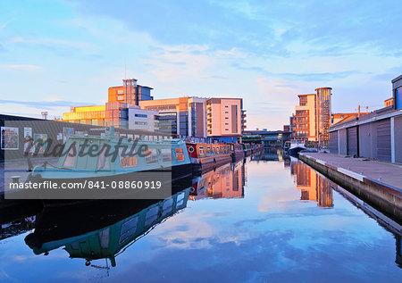 Edinburgh Quay and the Lochrin Basin, boats on The Union Canal, Edinburgh, Lothian, Scotland, United Kingdom, Europe