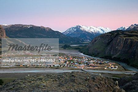 View over town of El Chalten and Rio de las Vueltas and Rio Fitz Roy, El Chalten, Patagonia, Argentina, South America