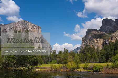 View of mounains and lake, Yosemite National Park, California, USA