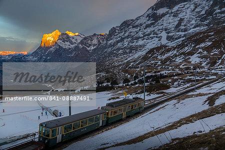 The Wetterhorn from Kleine Scheidegg, Jungfrau region, Bernese Oberland, Swiss Alps, Switzerland, Europe