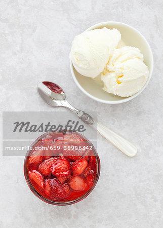 Roasted strawberry sauce with vanilla ice cream