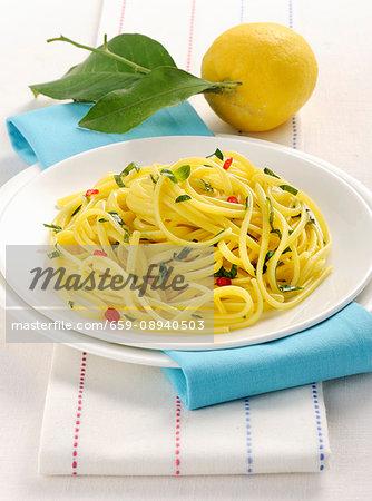 Linguine al limone (linguine with lemon, basil and chilli, Italy)