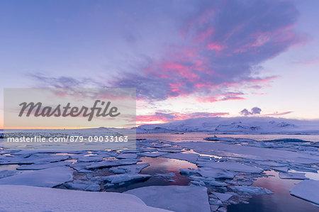 Sunset at the ice lagoon of Jokulsarlon,southern Iceland,europe