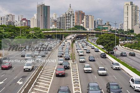Avenue Vinte e Tres de Maio, one of the many busy roads cutting through the city of Sao Paulo, Brazil, South America