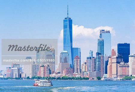 Lower Manhattan skyline, New York skyline, One World Trade Center tower, tour boat, Hudson River, New York, United States of America, North America
