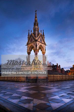 Albert Memorial at dusk, Kensington Gardens, London, England, United Kingdom, Europe