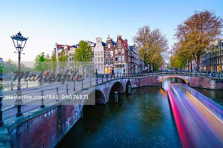 Keizersgracht Canal at dusk, Amsterdam, Netherlands, Europe