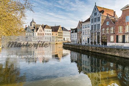 Houses on Langerei canal, Bruges, West Flanders province, Flemish region, Belgium, Europe