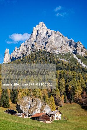 Fosne, typical alpine village with mount Cimerlo in the background, Fosne, Primiero valley, Trentino, Dolomites