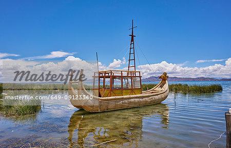 Traditional grass boat, Lake Titicaca, Huarina, La Paz, Bolivia, South America