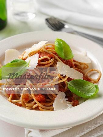 Wholewheat pasta with Napolitana sauce