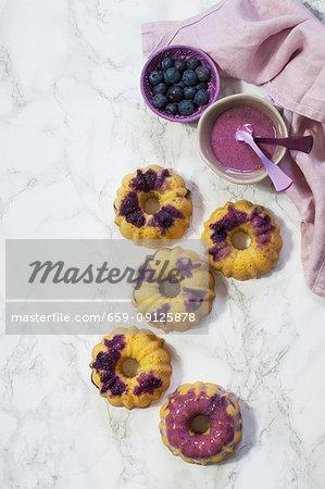 Mini Gugelhupfe with blueberries