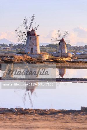 Windmills and salt flats at dawn, Saline dello Stagnone, Marsala, province of Trapani, Sicily, Italy, Mediterranean, Europe