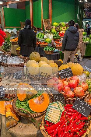 Fruit and vegetables stall in Borough Market, Southwark, London, England, United Kingdom, Europe