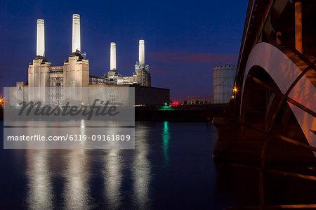 Battersea Power Station and Battersea Bridge at night, London, England, United Kingdom, Europe