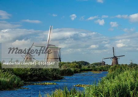 Windmills in Kinderdijk, UNESCO World Heritage Site, South Holland, The Netherlands, Europe