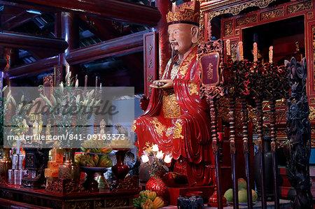 Altar dedicated to Confucius, Temple of Literature, Hanoi, Vietnam, Indochina, Southeast Asia, Asia