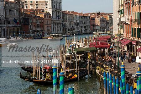 Gondola moorings near Rialto Bridge, Grand Canal, Venice, UNESCO World Heritage Site, Veneto, Italy, Europe