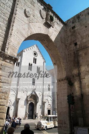 The cathedral of Saint Nicol, Patron Saint of the city, Bari, Puglia, Italy, Europe