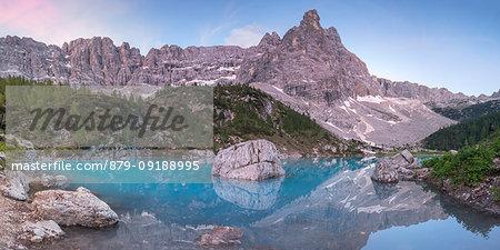 View of Lake Sorapiss at dusk, Sorapiss Lake, Dolomites, Veneto, Italy