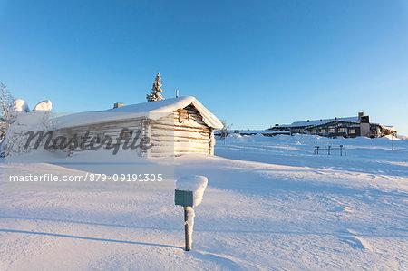 Wood hut and Lapland Hotel Pallas, Pallastunturi, Pallas-Yllastunturi National Park, Muonio, Lapland, Finland