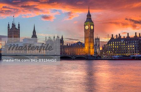 Houses of Parliament at sunset, UNESCO World Heritage Site, Westmister, London, England, United Kingdom, Europe