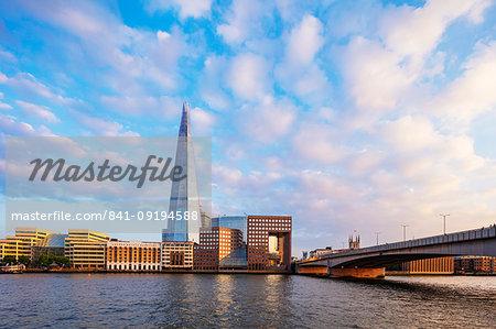 The Shard designed by Renzo Piano and Howard Kennedy, No 1 London Bridge, River Thames, London, England, United Kingdom, Europe