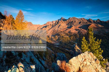 Monte Disgrazia Corni Bruciati and Valle Airale seen from Sasso Bianco in autumn, Valmalenco, Valtellina, Lombardy, Italy, Europe