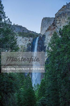 Upper Yosemite Falls, Yosemite National Park, UNESCO World Heritage Site, California, United States of America, North America
